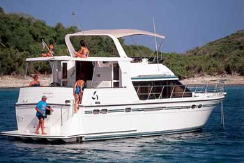 bareboat power boat charter